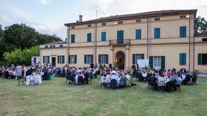 Fotografo matrimonio Bologna il ricevimento presso Villa Isolani.jpg