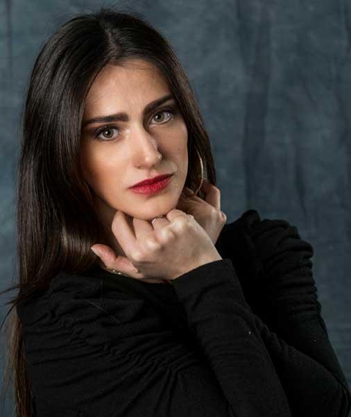 Silvia con espressione fotogenica