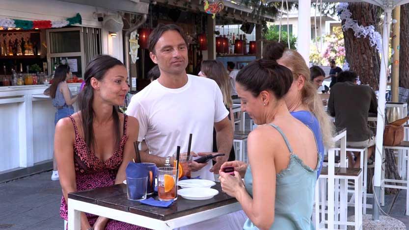 Video-invito-per-matrimonio-Giancluca-chiede-ad-Isabella-il-numero-di-telefono