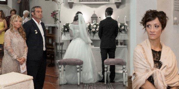 Francesca e Giorgio di spalle con i testimoni
