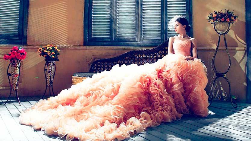 Abito sposa rosa stravagante