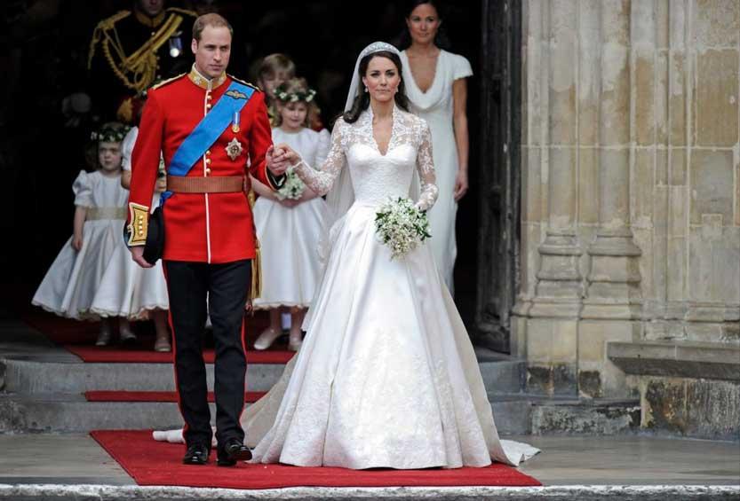 Kate Middleton elegantissima con il suo abito da sposa principesco