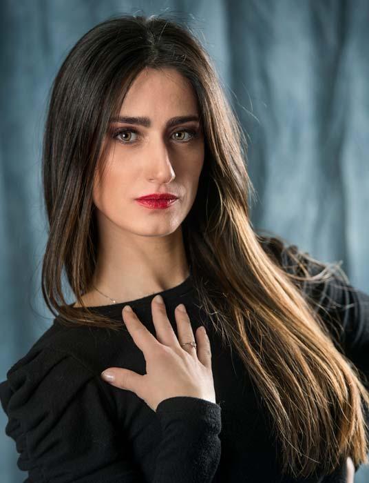 Silvia ritratto donna studio fotografico Ravenna