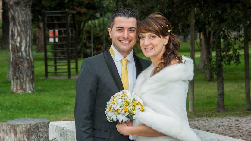 Stefania sposa in-autunno con mantello copri spalle