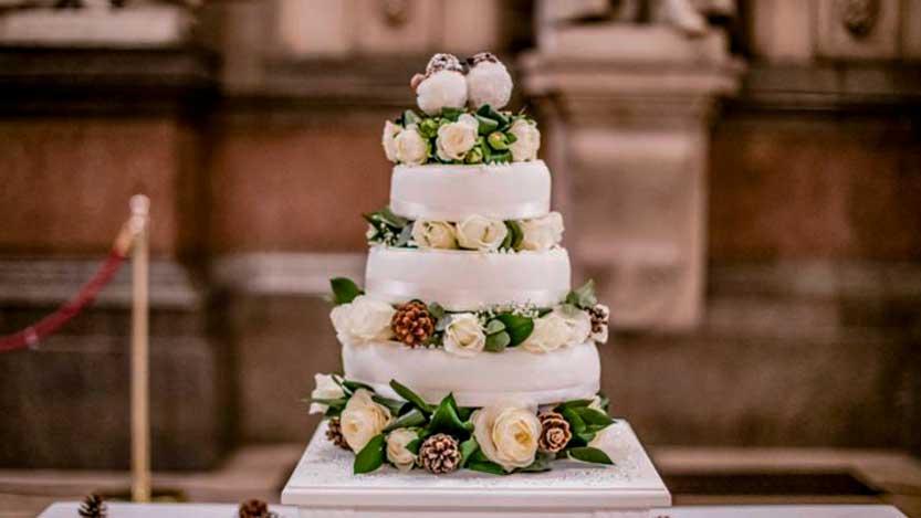 Torta nuziale per matrimonio invernale