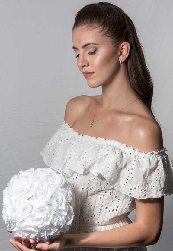 Chiara sposa con trucoo estivo 2020 tendente al viola