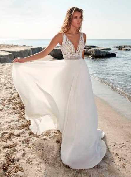 Sposa in riva al mare